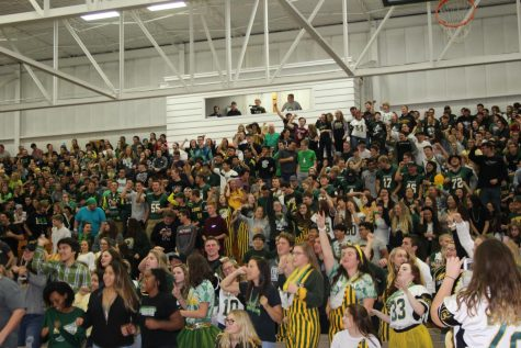 Homecoming Rally Fires Up Everest Pride