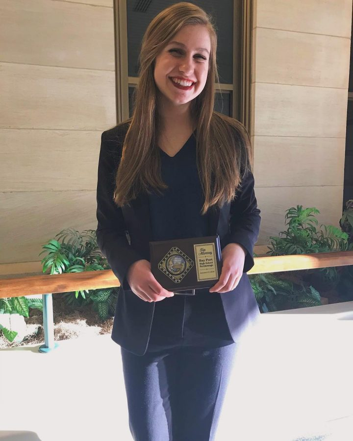 Lily+Bliven+takes+%22Best+Lawyer%22+award+home+with+a+perfect+score+from+Mock+Trial+competition.