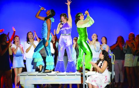 """Mamma Mia!"" dazzles sold out crowd"